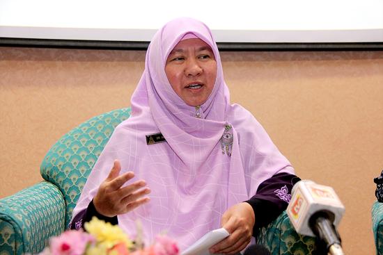 Halimah Ali Majlis Pengistiharan Keputusan SM Agama 2012 01